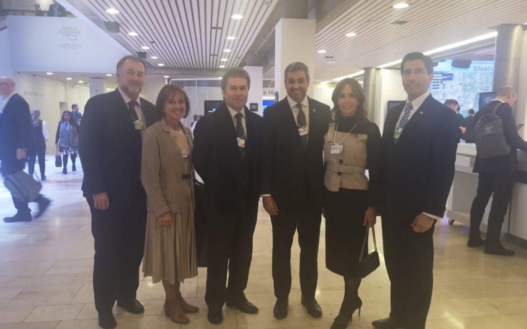 El presidente de la República, Mario Abdo Benítez, y su delegación en el Foro Económico Mundial en (Davos-Suiza).