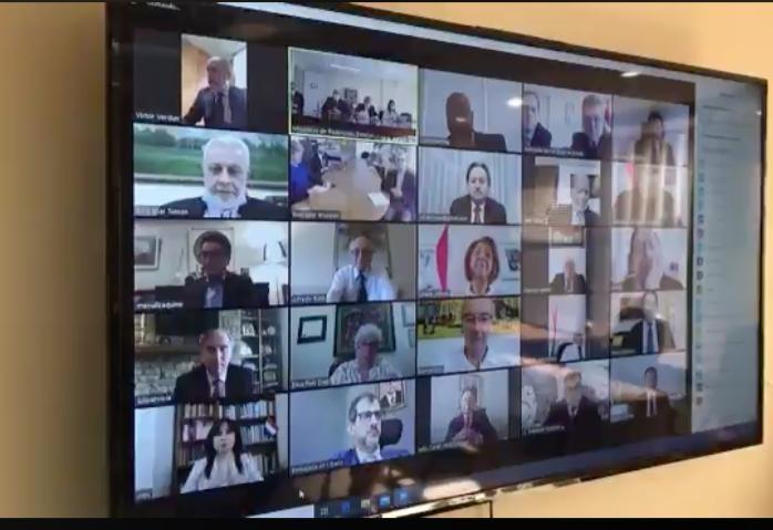 El día de hoy, vía videoconferencia, el Canciller Nacional Antonio Rivas, evaluó la gestión en favor de los connacionales en el exterior con todo el cuerpo diplomático y consular de la república.